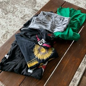 Lot of five T-shirts